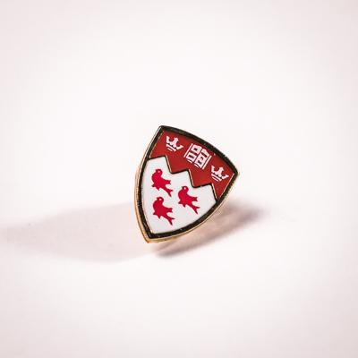 Signature crest shape McGill University lapel pin