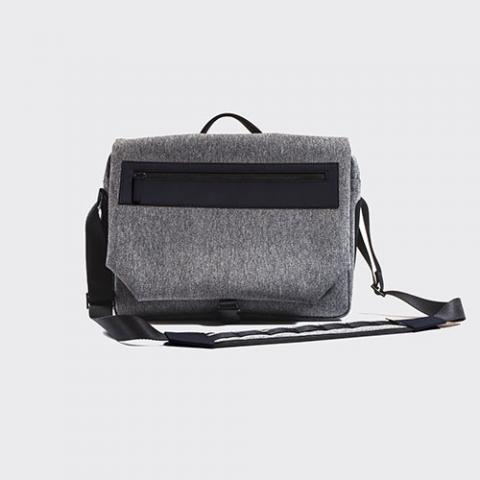 Venque Messenger Bag